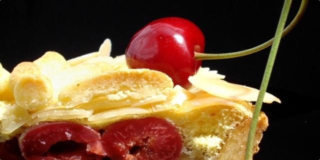 Körsbär Tårta